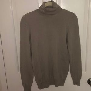 Light weight Loro Piana turtleneck sweater
